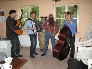 Sammen med Chr. Søgaard Trio: Fv. Morten Nordal, Christian Søgaard og Jens Holgersen.